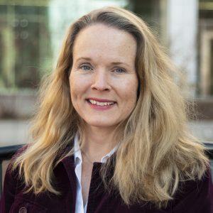 Photo of biochemistry professor and cryo-EM facility director Elizabeth Wright